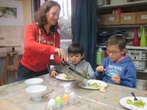 L'activité se termine par la fameuse omelette autrichienne !