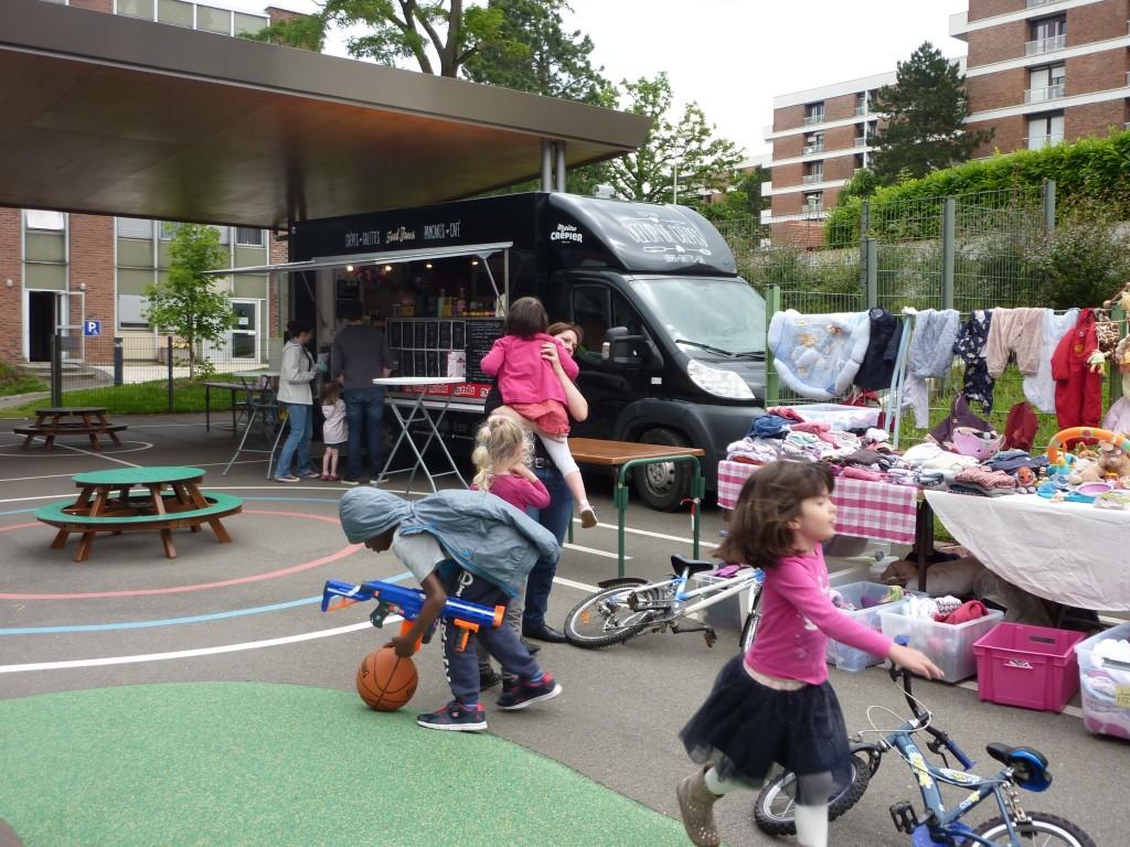 1re-braderie-puericulture-Parc-de-Diane-235