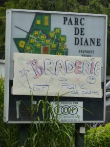 1re-braderie-puericulture-Parc-de-Diane-262