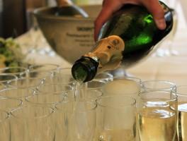 pot-inauguration-verre-champagne